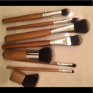 Other - NWOT 8 piece hip wooden makeup brushes never used